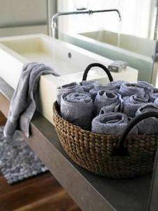 Cestos como porta toalhas