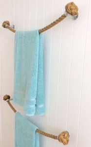 Corda para perdurar toalha