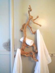 Galhos como perdurado de toalhas